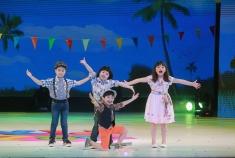 """""""เบนซ์"""" สุดทึ่ง Kidzaaa เปิดฉากรอบ """"รวมมิตรปล่อยของ"""" เด็กแท็คทีมจัดเต็ม โชว์ตีกลอง-ร้องเพลง-เล่นละครครบเครื่อง !!"""