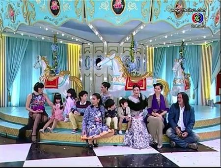ดูรายการย้อนหลัง นักแสดงและผู้กำกับ จากละครทองเนื้อเก้า