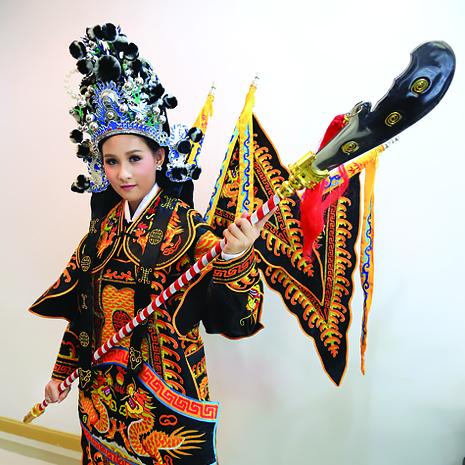 แก้ม  ชัญญา ตัวแทนสาวไทยไปประกวดมิสไชนีสฯ 2017 เตรียมความพร้อมด้านการแสดงกับครูหลีเจิน ที่ ACT LAB 55