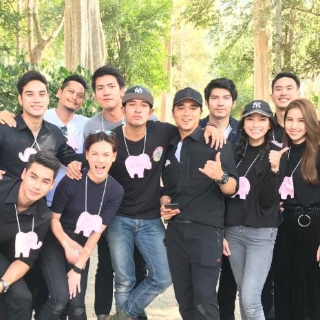 แกลเลอรีช่อง3 อเล็กซ์ เรนเดลล์ นำทีมเพื่อนนักแสดงช่อง 3 จัดกิจกรรมวันเด็ก ที่ศูนย์อนุรักษ์ช้างไทย เขาใหญ่