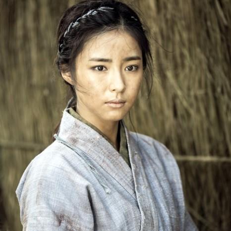 แกลเลอรีช่อง3 ตัวละคร 6 มังกรกำเนิดโชซอน Shin Se Kyung as Boon Yi