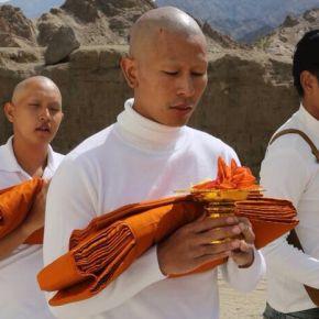 แกลเลอรีช่อง3 ฝันเป็นจริง! จ๊อบ ไตรรงค์ เดินตามรอยพระพุทธศาสนา โกนหัวบวชที่อินเดียในหนัง ดารัมซาล่า ความหวังแห่งศรัทธา