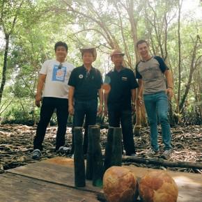 แดเนียล พา ผู้บริหารหนองโพ โยนโบลิ่งกลางป่าชายเลน ในหลงรักยิ้ม
