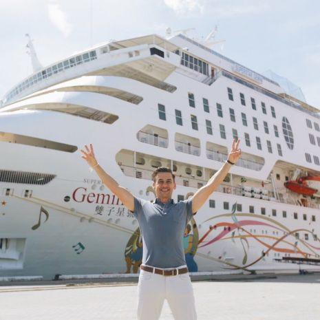 """ฝรั่งหัวใจไทย """"แดเนียล เฟรเซอร์"""" ทัวร์เรือสำราญสุดหรู SuperStar Gemini กระทบไหล่นักมายากลชื่อดัง Ezker Emparanza"""