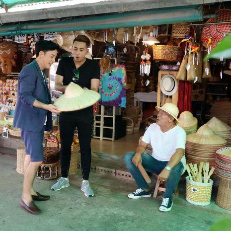 """แกลเลอรีช่อง3 คู่ซี้ต่างวัย """"บอล เชิญยิ้ม"""" และ """"ค่อม ชวนชื่น"""" พาฮากรามค้าง บุก """"ตลาดเด็ดประเทศไทย"""""""