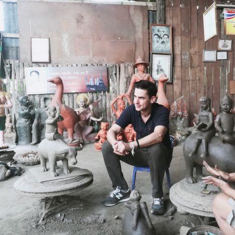 """แกลเลอรีช่อง3 ฝรั่งหลงเมืองไทย """"แดเนียล เฟรเซอร์"""" ชวนสัมผัสศาสตร์แห่งเครื่องปั้นดินเผา 700 ปี ในดินแดนรุ่งอรุณแห่งความสุข """"สุโขทัย"""""""