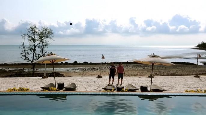ดูรายการย้อนหลัง ลอง Stay | เกาะที่ไม่ถูกตามใจ เกาะช้าง จ.ตราด | 12-06-59 | TV3 Official