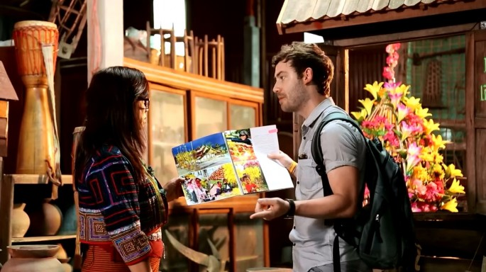 ดูรายการย้อนหลัง ลอง Stay | ขบวนต้นดอกไม้ อ.ท่าลี่ จ.เลย | 21-08-59 | TV3 Official
