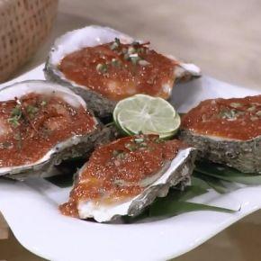 รายการย้อนหลัง ครัวคุณต๋อย   หอยนางรมย่างซอสแดง  ร้านมหาเศรษฐี ซีฟู้ด  (ชลบุรี)
