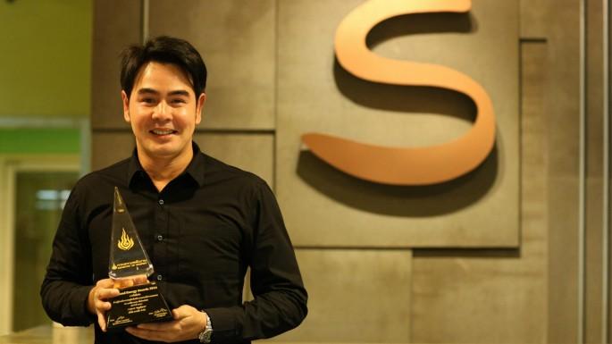 """ข่าวรายการ สมุดโคจร On the way """"รายการ สมุดโคจร On the way"""" รับรางวัล Thailand Energy Award 2016"""