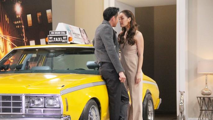 """ข่าวรายการ The Face Thailand season 3 มาสเตอร์คลาสแรก 15 สาวผู้เข้าแข่งขัน """"THE FACE THAILAND"""" ซีซั่น3  """"ขุน""""เขิน เจอ """"เจนนี่"""" สอนสาวๆโปรยเสน่ห์เกือบประกบปากโชว์!!"""