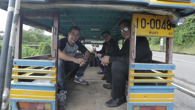 """ท่องเที่ยวไทยสายใยชุมชน สัมผัสวัฒนธรรม """"บ้าบ๋า ย่าหยา"""" ที่เมืองตะกั่วป่า ในรายการหลงรักยิ้ม"""