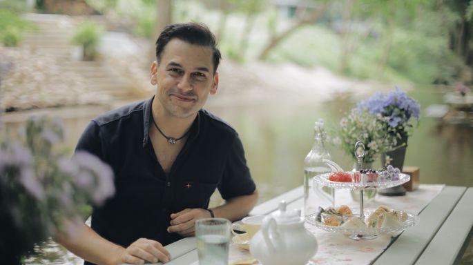 """ข่าวรายการ หลงรักยิ้ม ชวนจิบกาแฟกลางลำธาร เที่ยวฟาร์มสไตล์ญี่ปุ่น เรียนรู้วิถีพอเพียง กับฝรั่งหัวใจไทย """"แดเนียล เฟรเซอร์"""""""