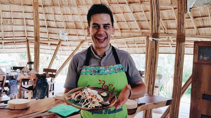 """ข่าวรายการ หลงรักยิ้ม เสน่ห์ปลายจวัก """"แดเนียล เฟรเซอร์"""" เรียนทำอาหารไทย ณ เชียงใหม่"""