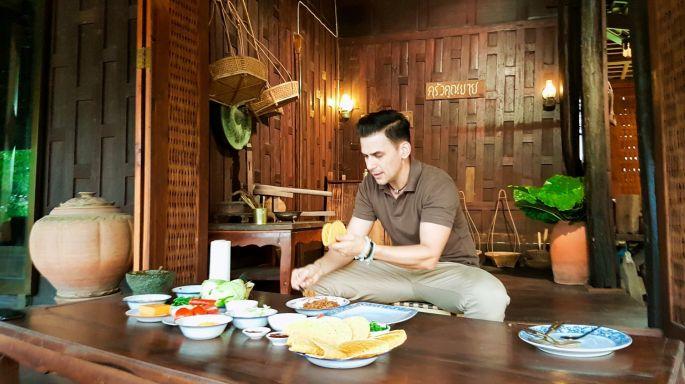 """ข่าวรายการ หลงรักยิ้ม ฝรั่ง """"แดเนียล"""" โชว์เสน่ห์ปลายจวัก หลงรักตำนานอาหารไทย ณ. บ้านยี่สาร"""